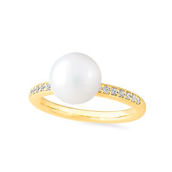 18k yellow gold, pearl and diamonds ring