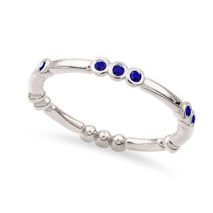 18k whitegold andblue sapphires ring