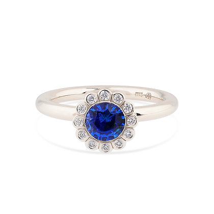 18k white gold blue sapphire and diamonds ring