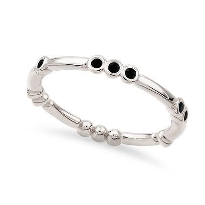 18k whitegold anddiamonds ring
