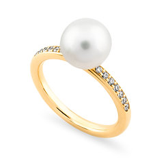18k yellowgold, freshwaterpearl and white diamonds ring