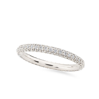 18k white gold and diamonds ring.