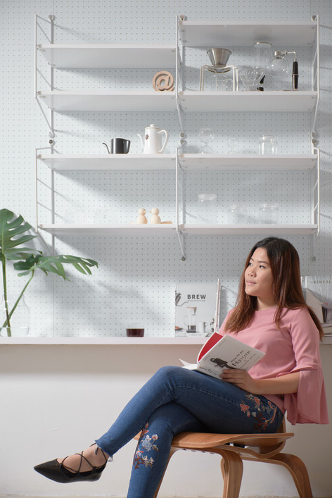 Hassle Free workspace for Booklovers and Coffeelovers - Coffeestand