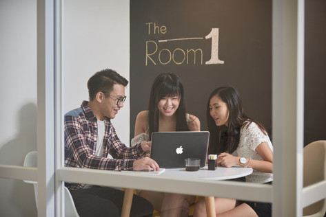 Meeting Rooms for you to garther with friends/ colleagues to exchange ideas,  brainstorm and work on projects. - The Room