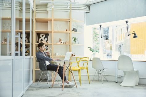 Stylish & Spacious space to study and chill at in the busy city of Hong Kong - The Lounge