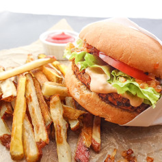 in-n-out-vegan-burger-with-fries-and-ket