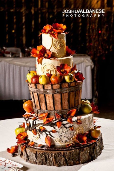Ive Rounded Up Some Of My Favorite Fall Wedding Cake Ideas That Will Help You Get Inspired