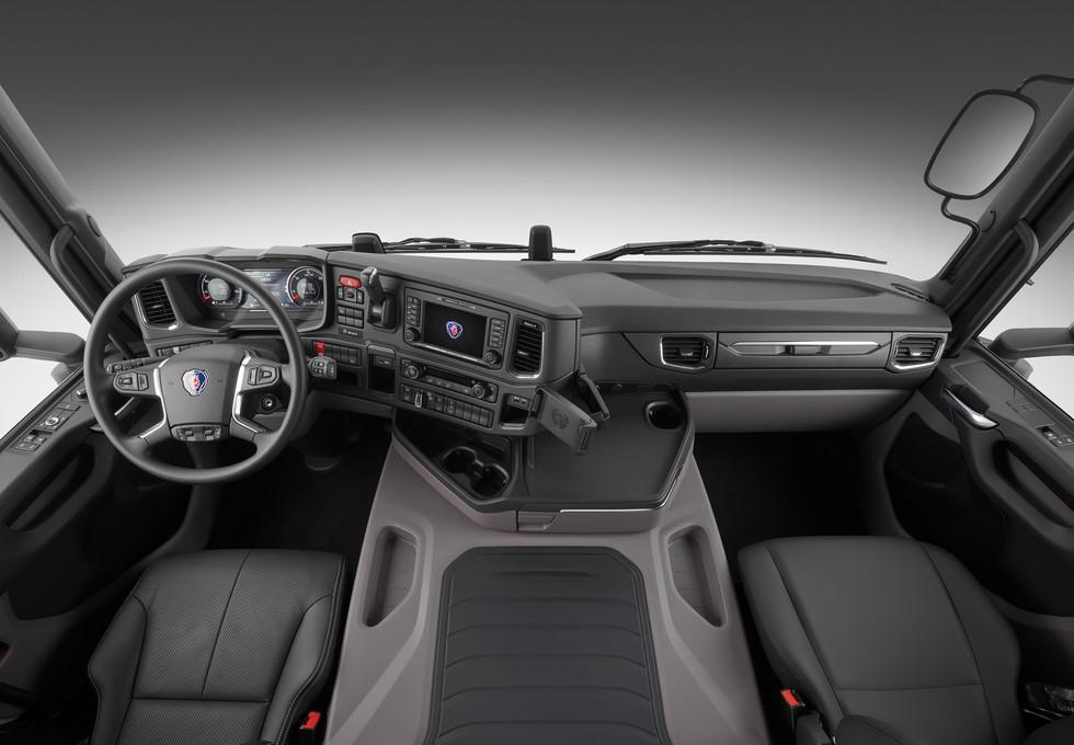 Scania Cargo G450 8x44 Interior Front