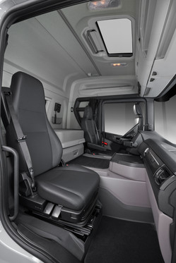 Scania Cargo G450 8X44 Interior Side