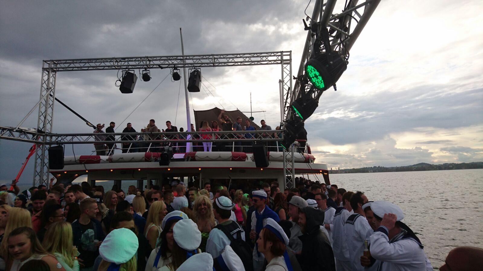 Veranstaltungstechnik Partyboot