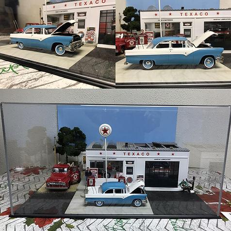 AUT_55 Ford Fairlane CS Diorama 00a.jpg
