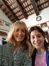 con Malena, alumna de la escuela 12 que leyó un párrafo de La maestra de la Laguna