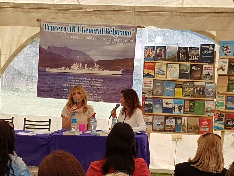 Mar de Cobo, segundo día, en la charla con los bibliotecarios de varias ciudades