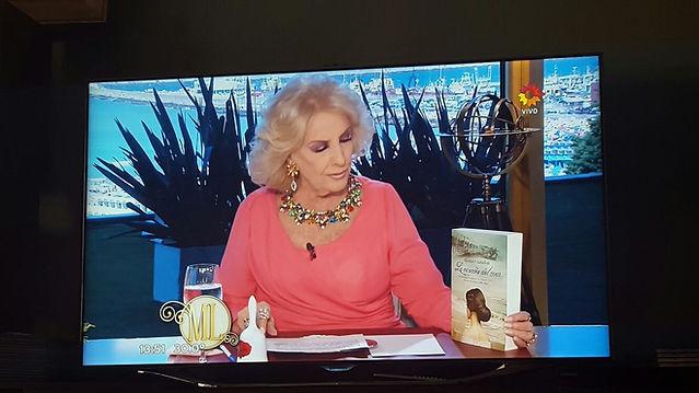 Mirtha Legrand en el aniversario de Mar del Plata con la novela de Gloria V. Casañas La Canción del Mar