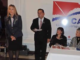 Gloria V. Casañas  inauguración oficial de la Libroferia Asunción 2015