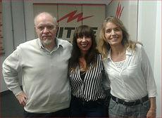 GLORIA V CASAÑAS invitada al programa de RADIO MITRE AM 790 - Pensándolo bien- con los periodistas y escritores JORGE FERNANDEZ DIAZ y LAURA DI MARCO