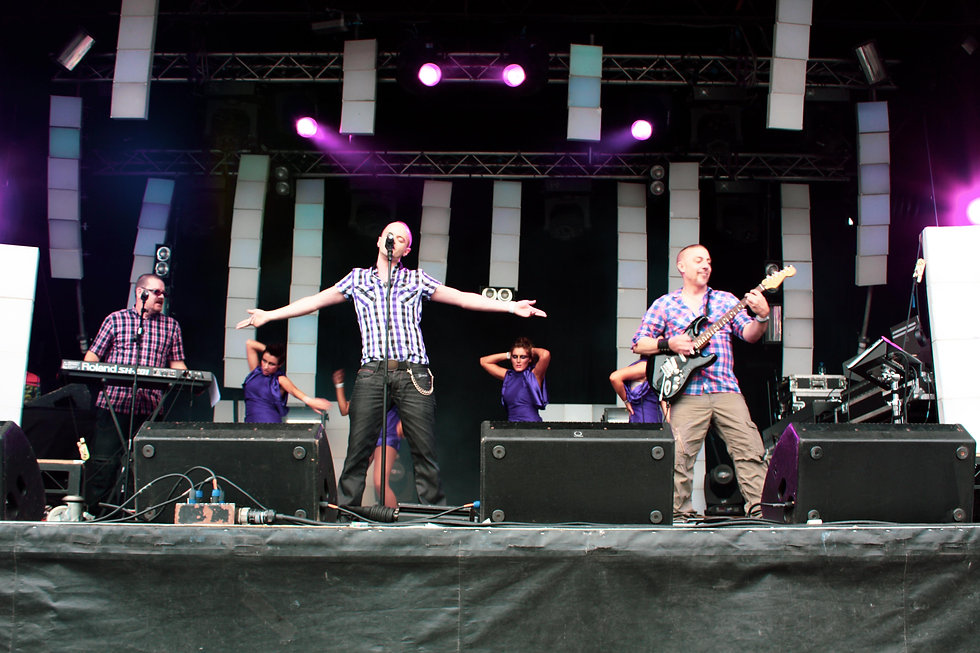 Heaton Pride Main Stage-14.jpg