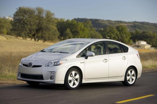 Toyota Prius Hybrid - White