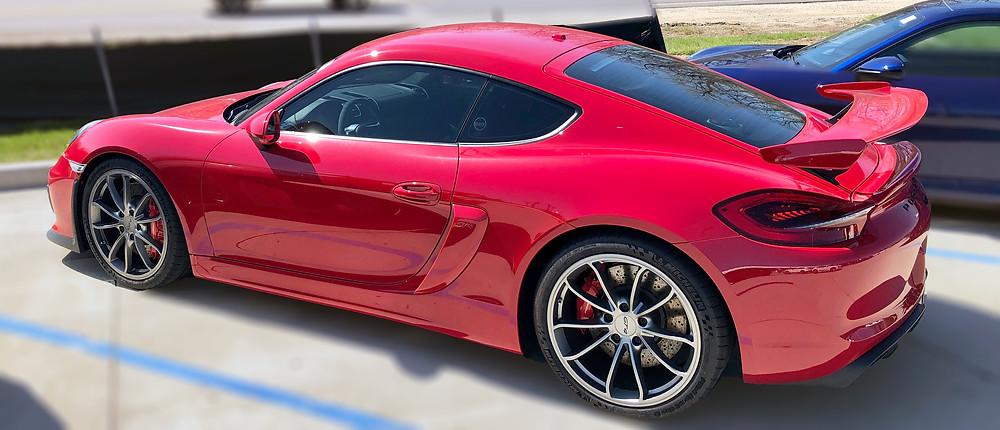 Red Porche GT4