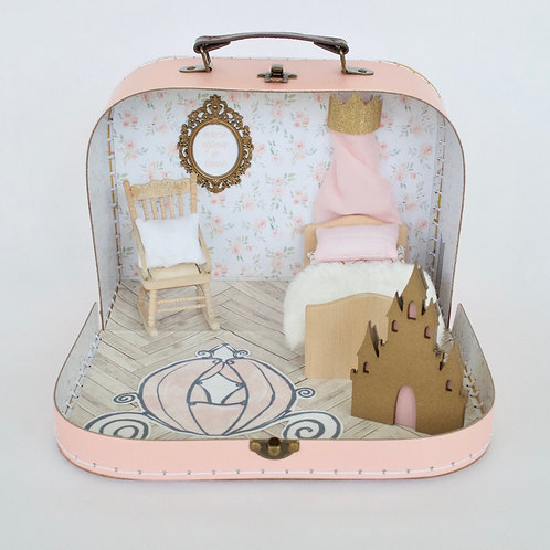 Once Upon a Time Travel Dollhouse