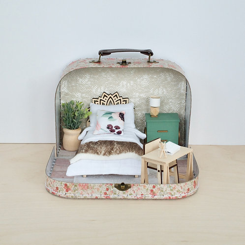 Secret Garden Travel Dollhouse