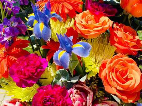 5 Ways to Add Spring Colors to Your Table!