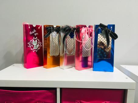 Easy Beautiful DIY Gift Bag to Make with Cricut!