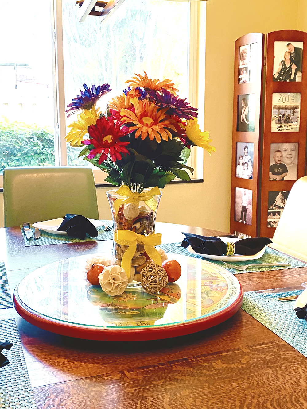 Flowers, use dried or fake, clear vase filled with Potpourrie & yellow ribbon!