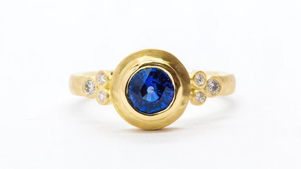 Ceylon Sapphire Bezel | 18k/y CAD | .75ct dia w//12 ct | 2,800K