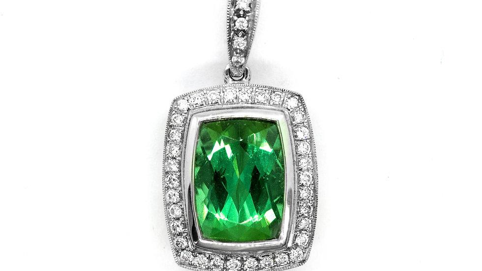 Green Termanline Pendant | 10x7.3 ov | 2.81ct w/.22ct dia | 2600K