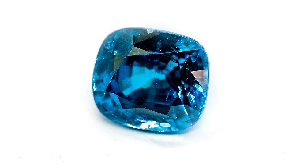Blue Zircon   INV# FGJ318-E   cush   7.02K x 330K/CT
