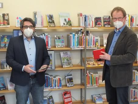 Rouenhoff besucht Stadtbücherei Rees