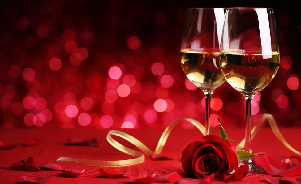848713-champagne-glasse-yellow-ribbon-re