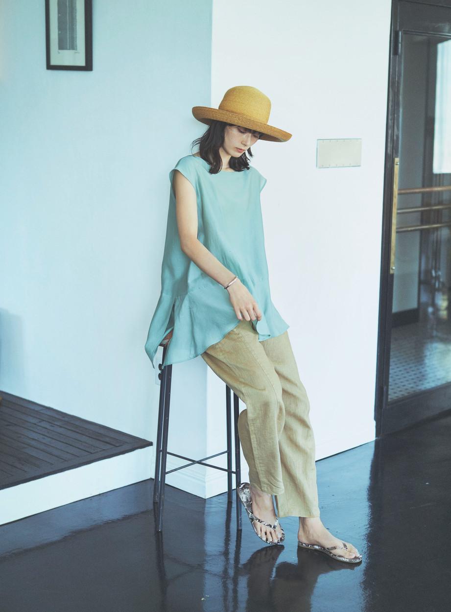 Blouse VE-68130293 ¥12,100 (税込) size : F  color : 60  Pants VE-68140126 ¥19,800 (税込) size : F  color : 10