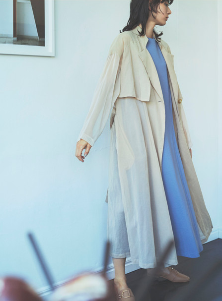 Coat VE-68120274 ¥28,600 (税込) size : F  color : 10  One-piece VE-68120155 ¥19,800 (税込) size : F  color : 74