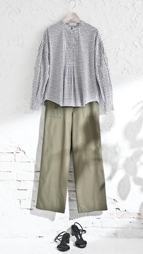 Blouse edt-61110023 ¥20,900 (税込) size/ F  color/ 03  Pants edt-61110046 ¥19,800 (税込) size/ 38,40  color/ 67