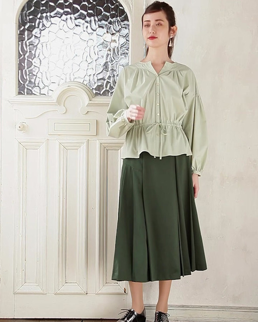 Blouse edi-60050013 ¥23,000+tax size/ F  color/ 63  Skirt edi-60050037 ¥27,000+tax size/ 36,38,40  color/ 66