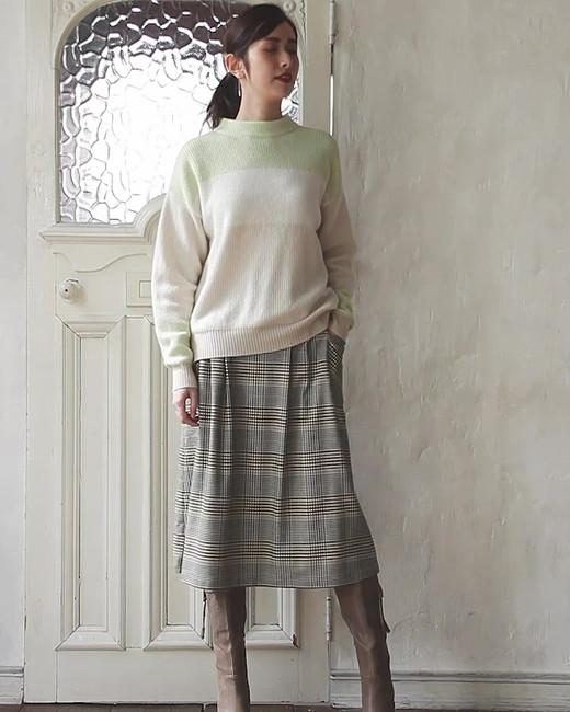 Pullover edi-60071081 ¥24,000+tax size/ 36,38,40  color/ 12  Skirt edi-60080057 ¥19,000+tax size/ 38,40  color/ 70