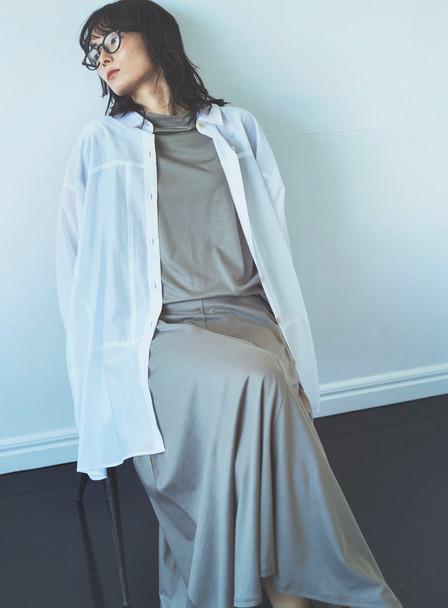 Blouse  VE-68120303  ¥19,800 (税込) size : F  color : 01  Cutsew VE-68120100 ¥9,790 (税込) size : F  color : 65  Skirt  VE-68120117 ¥14,300 (税込) size : 36,38  color : 65