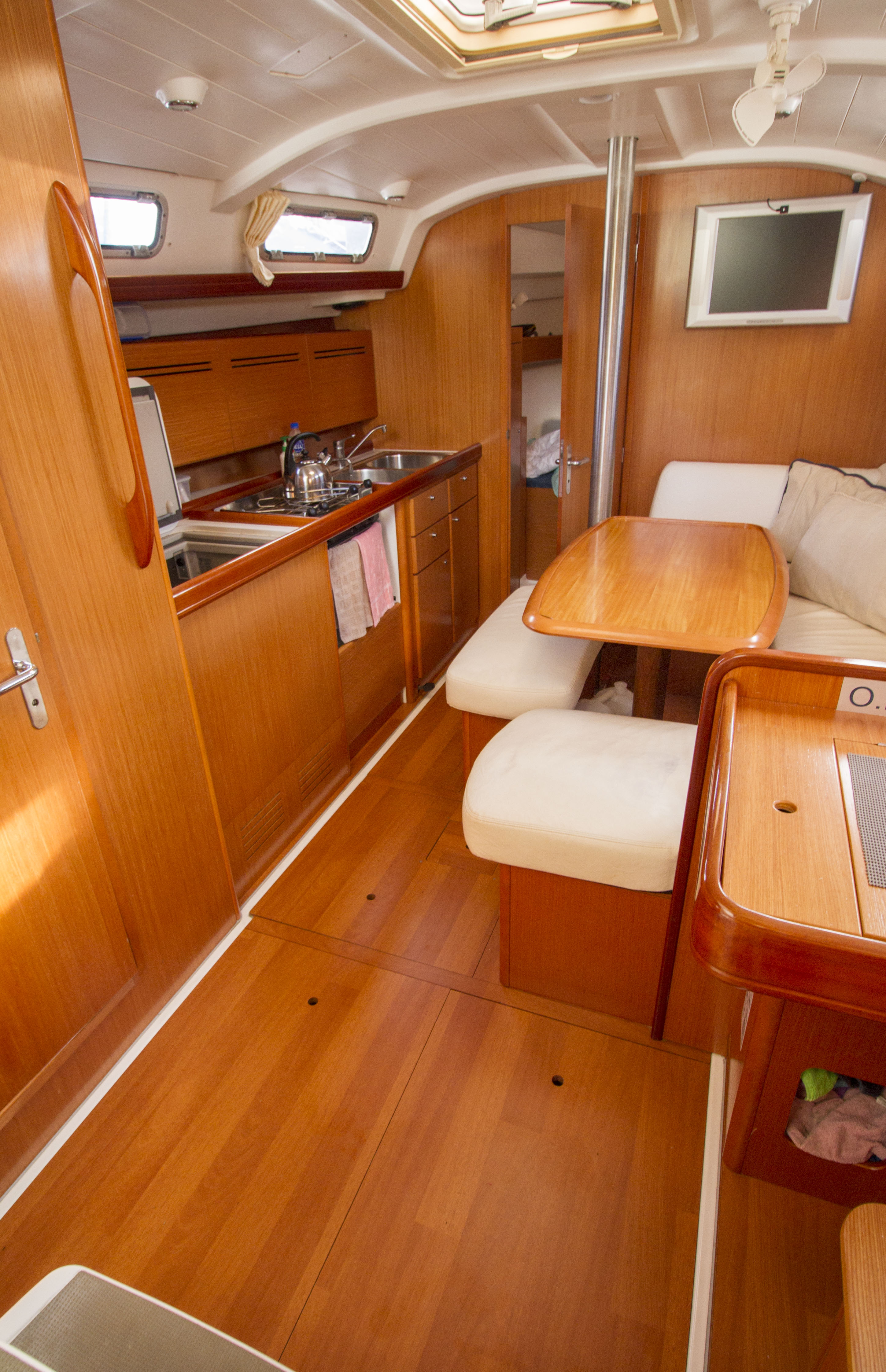 Beneteau Cyclades for sale Malaysia 11