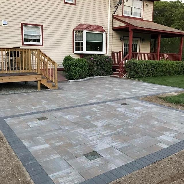 Patio with Bristol valley and Hollandstone Charcoal border.jpg