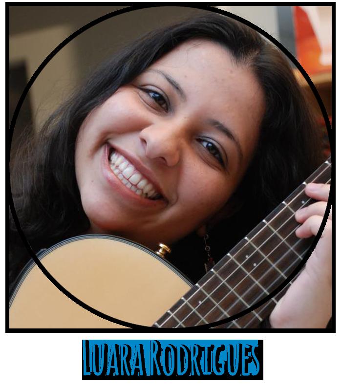 Professora Luara Rodrigues