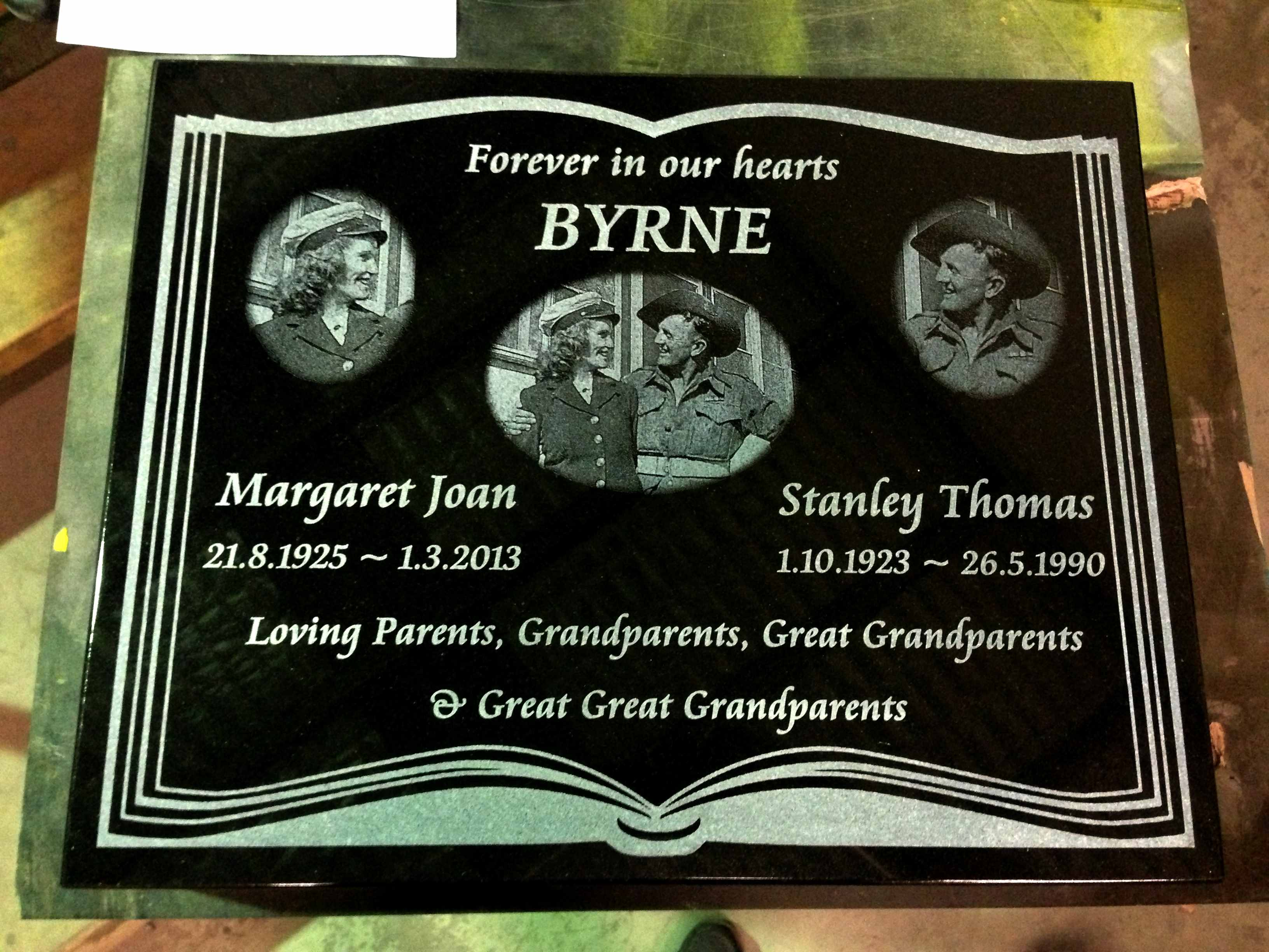 laser engraved lawn plaque.jpg