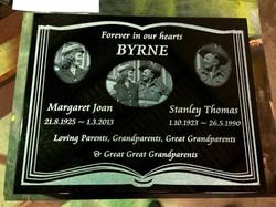 laser engraved lawn plaque.jpg