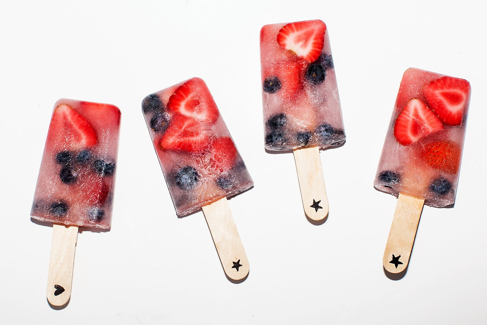 healthy easy 4th of July Recipes: freedom pops