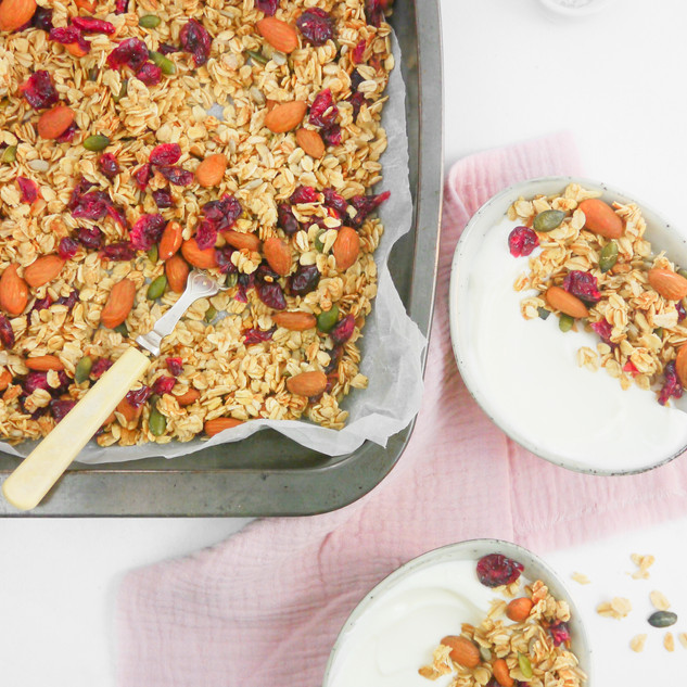 Cranberry and Almond Granola - Winter -