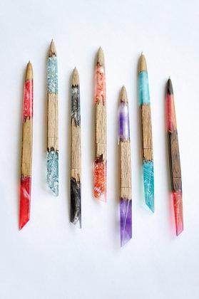 Ручка из дерева и смолы
