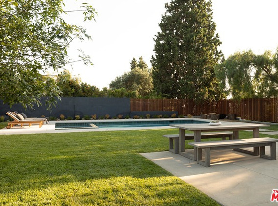 Rare for Echo Park- Pool, and a Flat yard