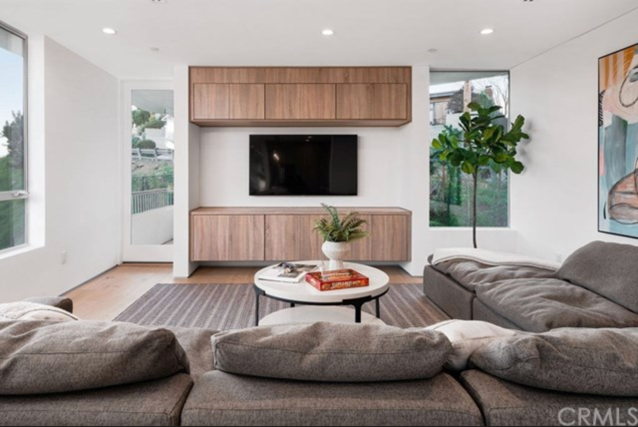 Beautiful Contemporary home located in the Hills of Highland Park CA.