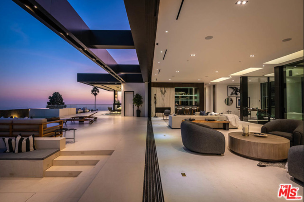 1561 Blue Jay Way | Hollywood Hills